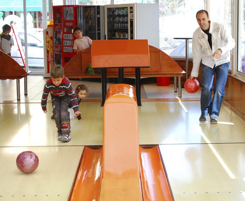 Jugadors de bowling a Calella